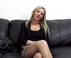 Zorra casada prueba el sexo anal en un casting porno