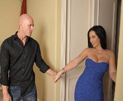 Jayden James tiene el permiso de su marido para follarse a otro