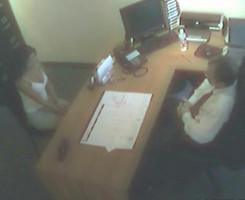 Joven secretaria folla con su jefe para lograr un ascenso