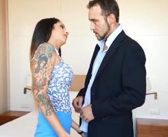 Española tatuada pasa el casting follando como una fiera